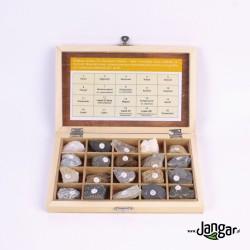 Kolekcja 20 skał i minerałów w zamykanej skrzyneczce drewnianej