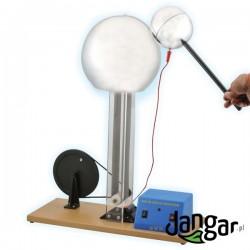 Generator van de Graaffa z elektrodą kulistą i napędem elektrycznym